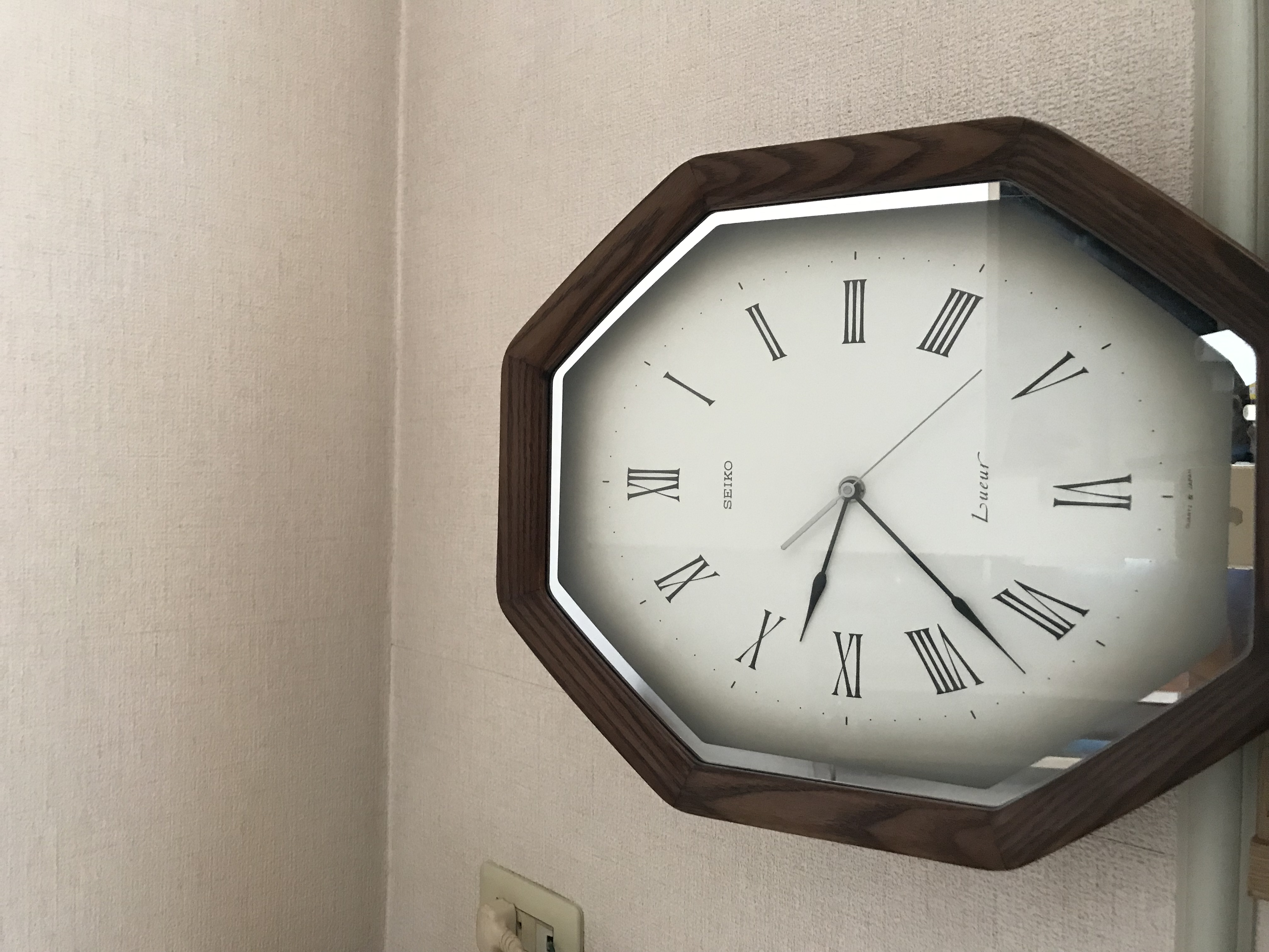 時計が正確な時間になって…